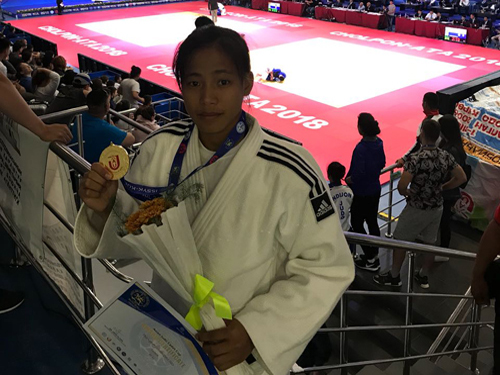 Tababi Devi clinched Gold medal in the Asian Cadet Cup at Kyrgyzstan
