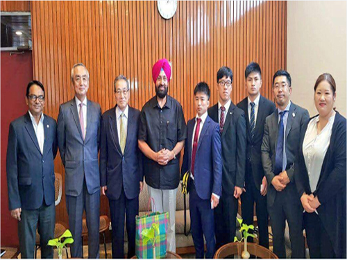 Delegates from Japan with Ambassador of Japan Embassy,  during the meeting with President JFI.