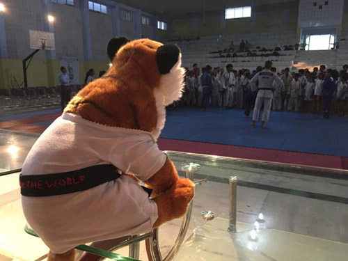 Tigerotoshi...observing the Judo Class at Dehradun
