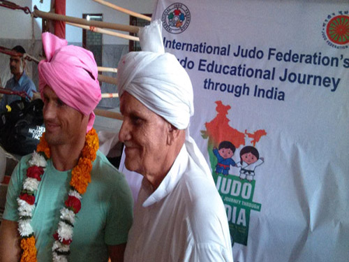 Miklos with Delhi Veteran..IJF Judo Educational Journey at Delhi